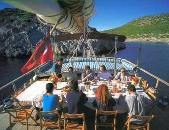 Breakfast Service on Bosphorus on a Luxury Yacht - Istanbul